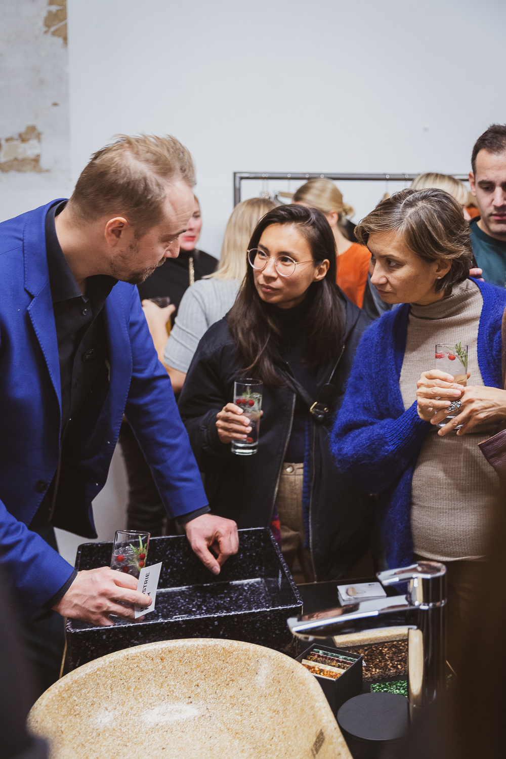 2018-VALISE-Glint-LifestyleFinland-EveningVernissage-webres-7805.jpg