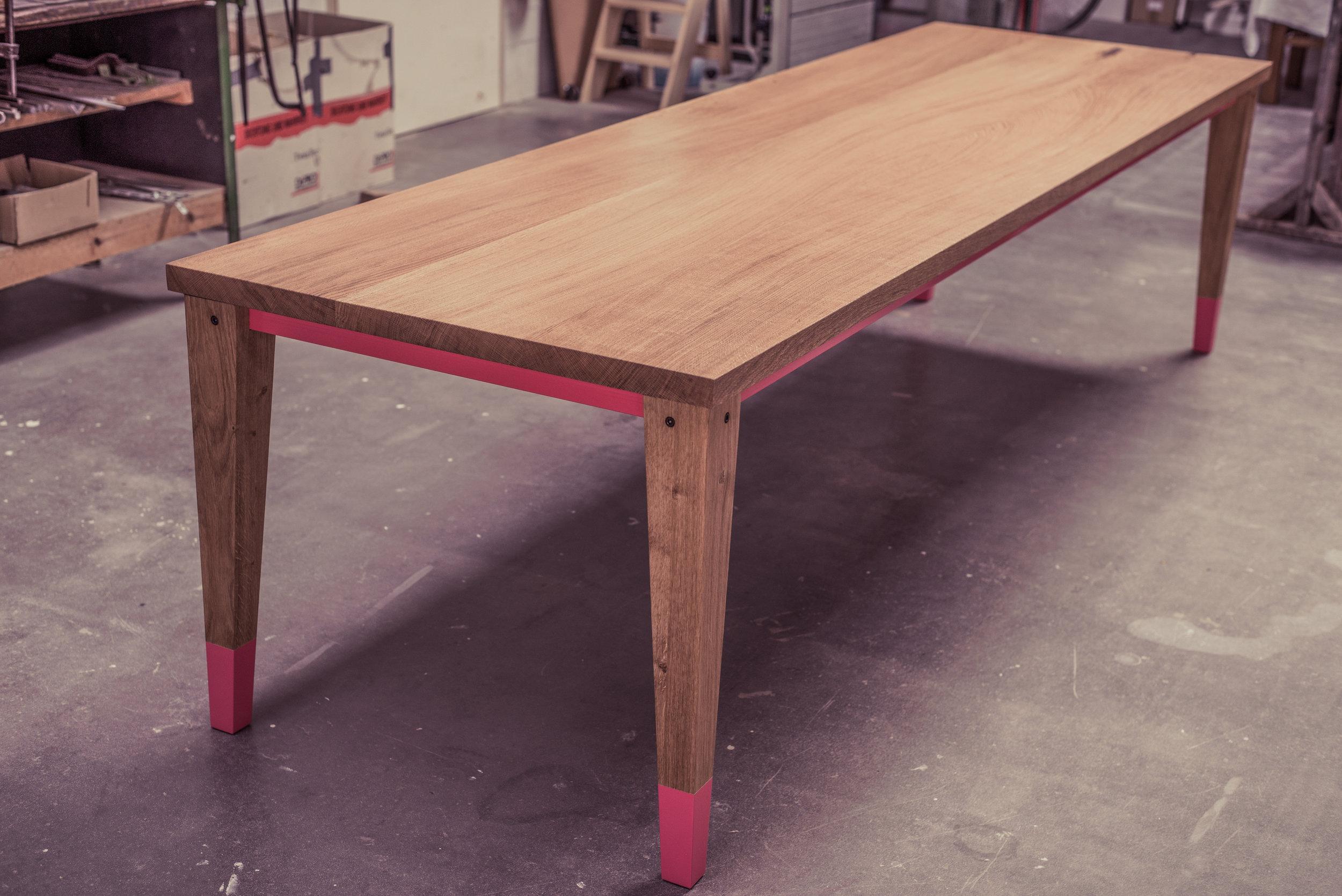 der Arx Tisch in Eiche natur / 300 x 90 x 76 cm