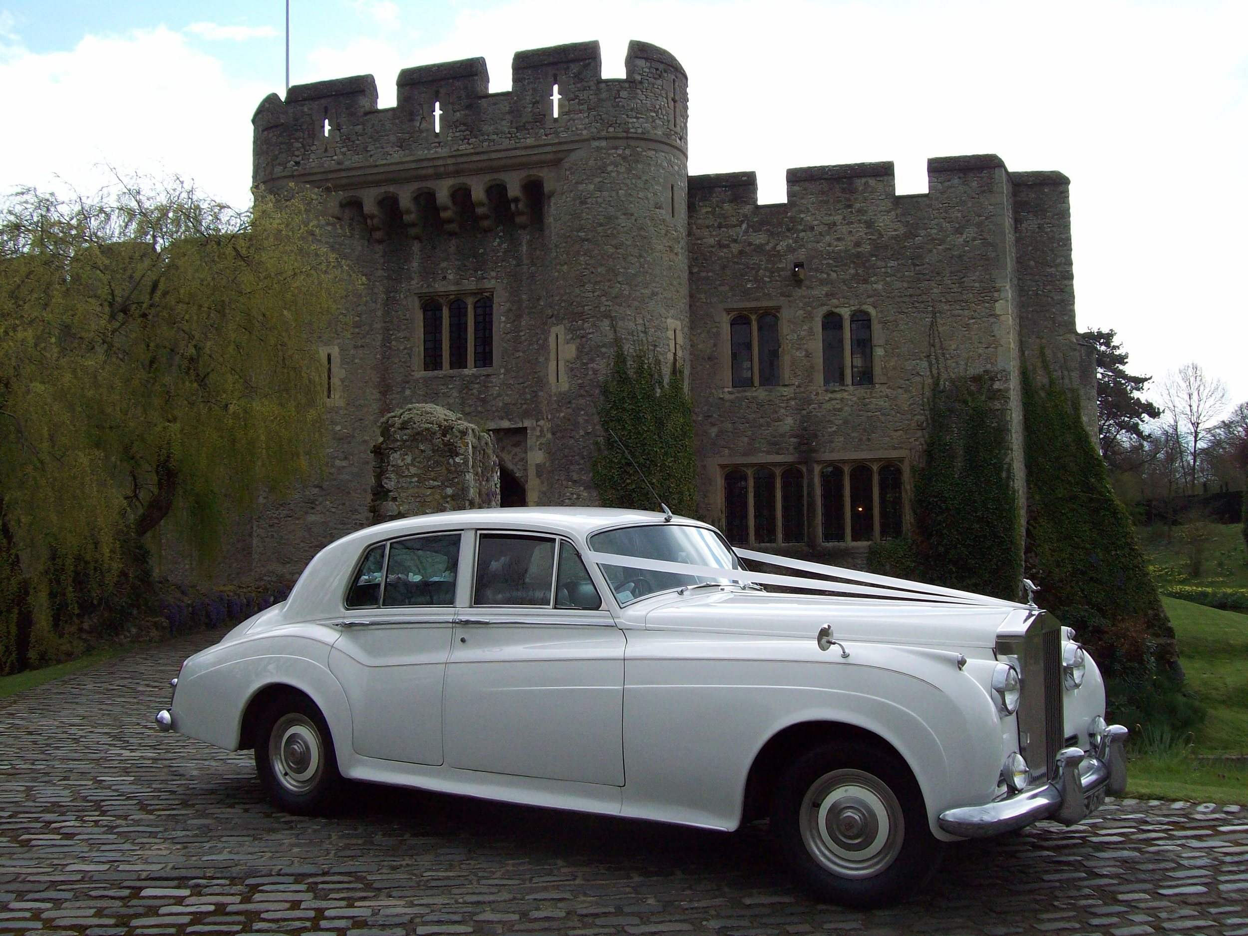 White Rolls Royce Silver Cloud Maidstone