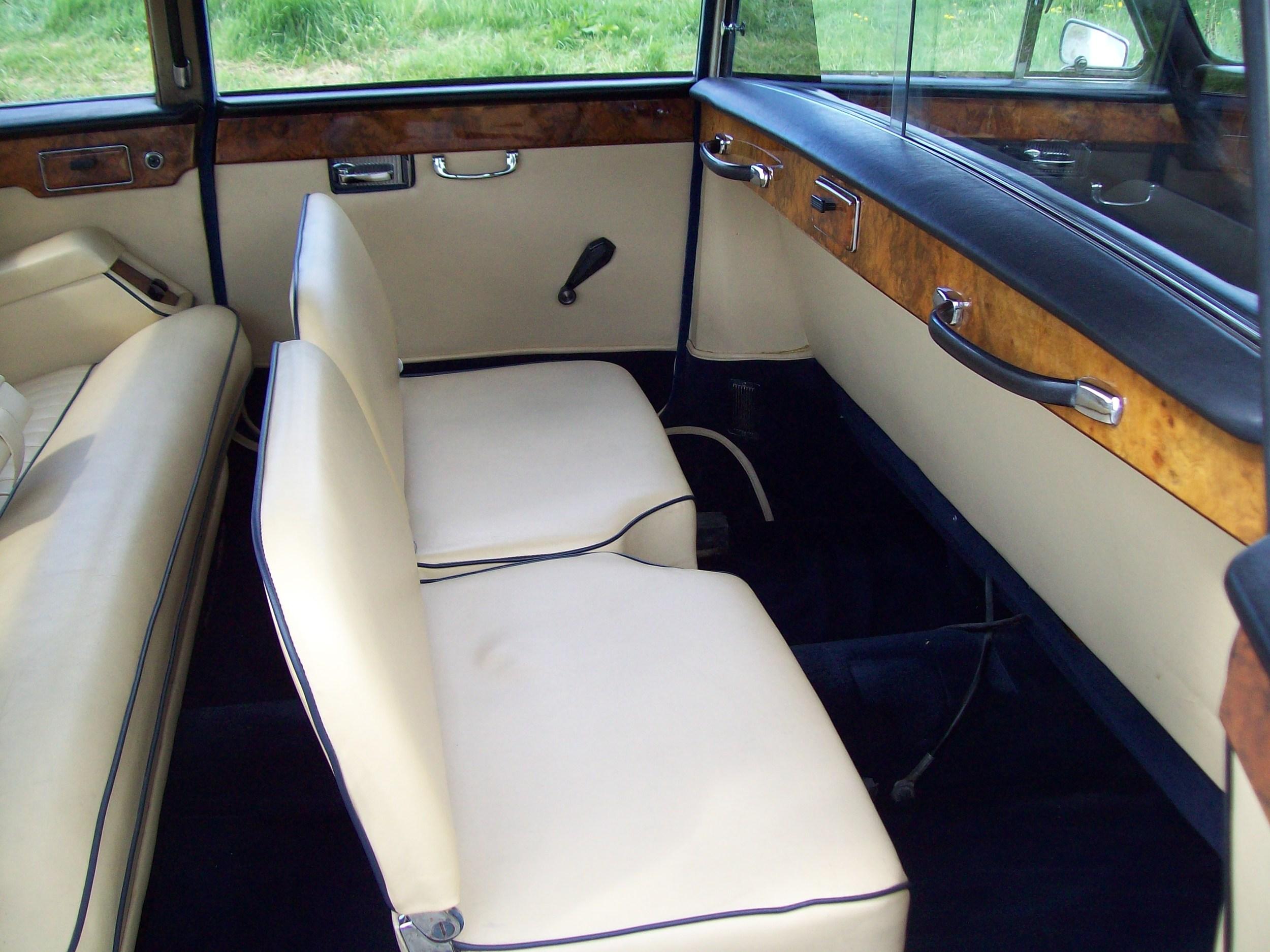 Daimler Limousine Cream Leather