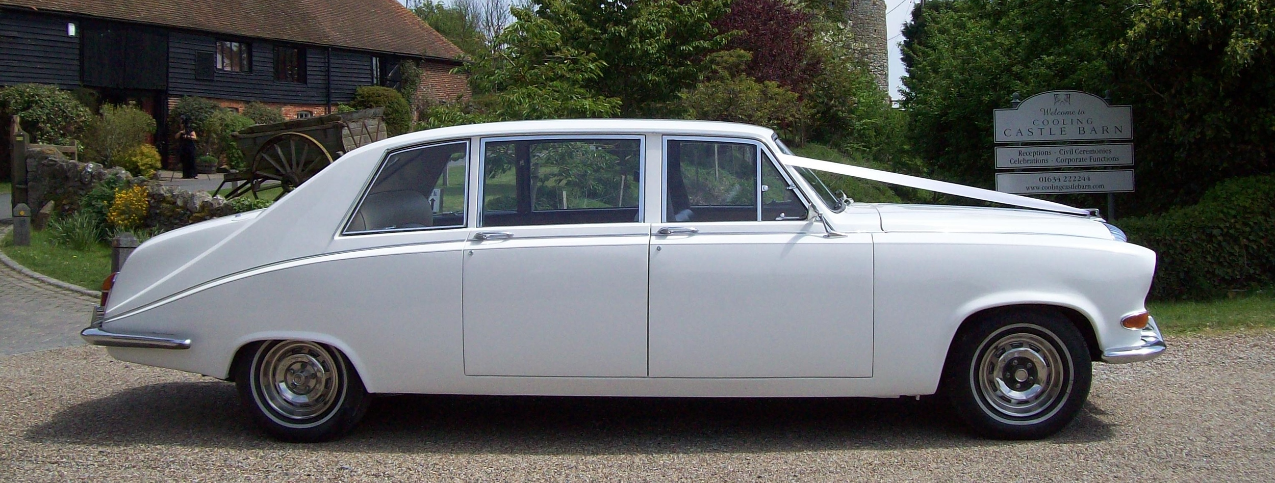 White Daimler DS 7/8 seat Limousine