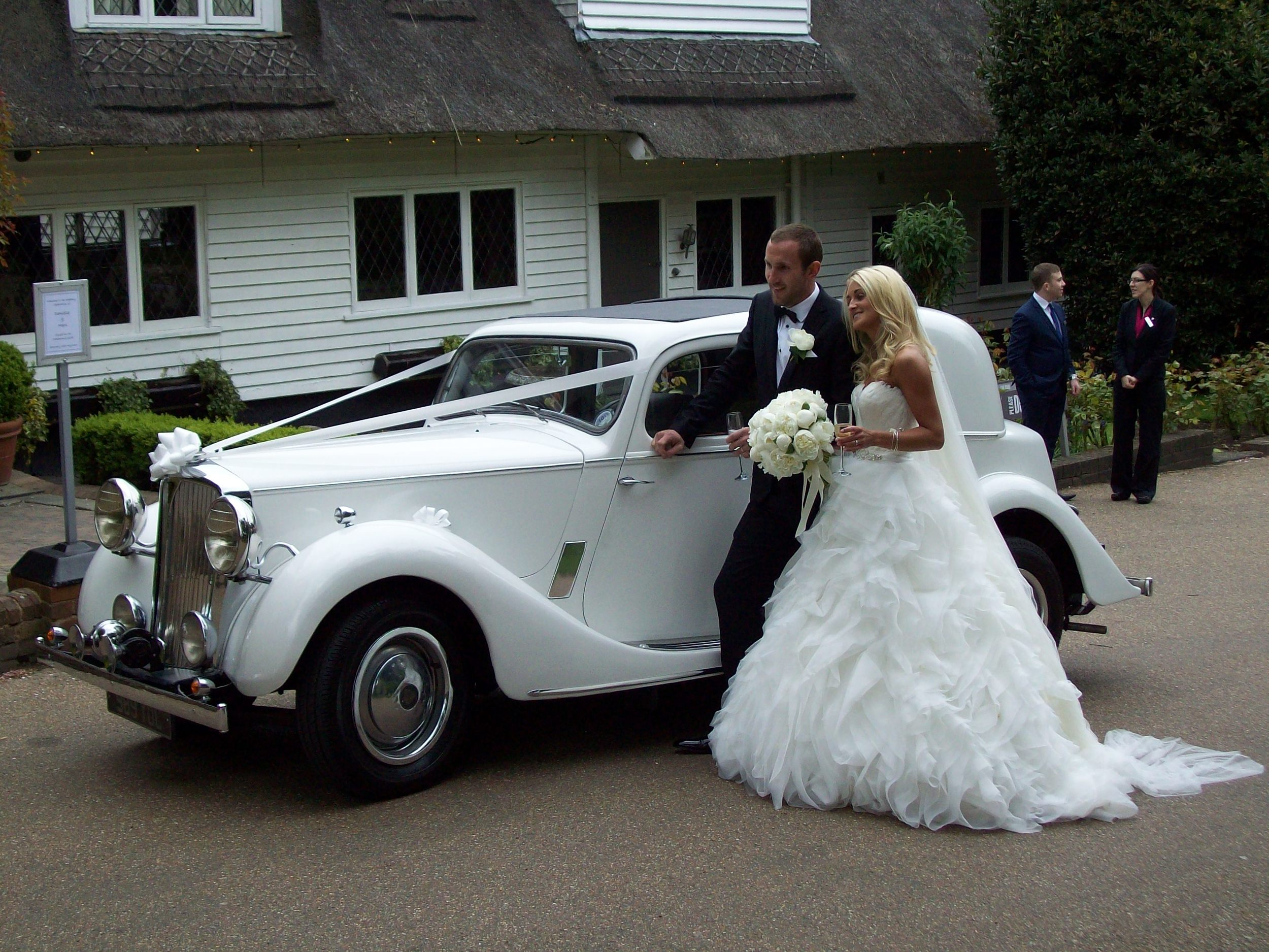 vintage wedding car hire.JPG