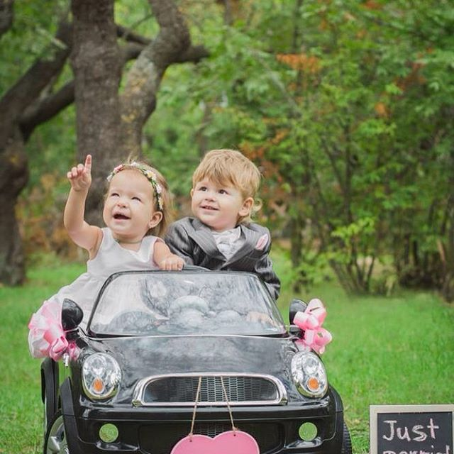 Lovely! As are the wedding cars. Book them now before the January rush. #weddingblog #kentbrides #weddingcarskent #kentweddings #weddingskent #kentishwedding #weddingideas #weddingday