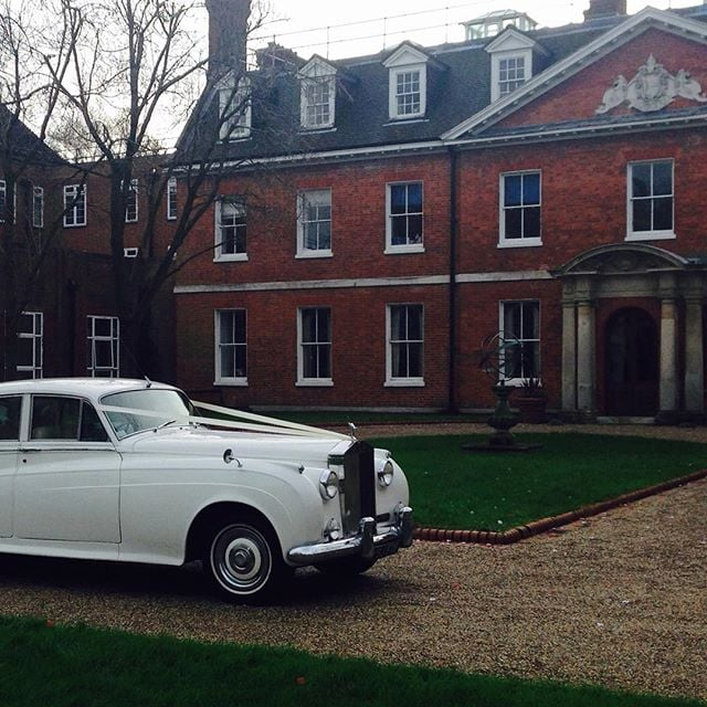 Winter Rolls Royce Silver Cloud wedding at the Bromley Old Palace. #weddingblog #weddingday #weddingideas #kentbride #kentwedding #kentishwedding #kentweddingcars