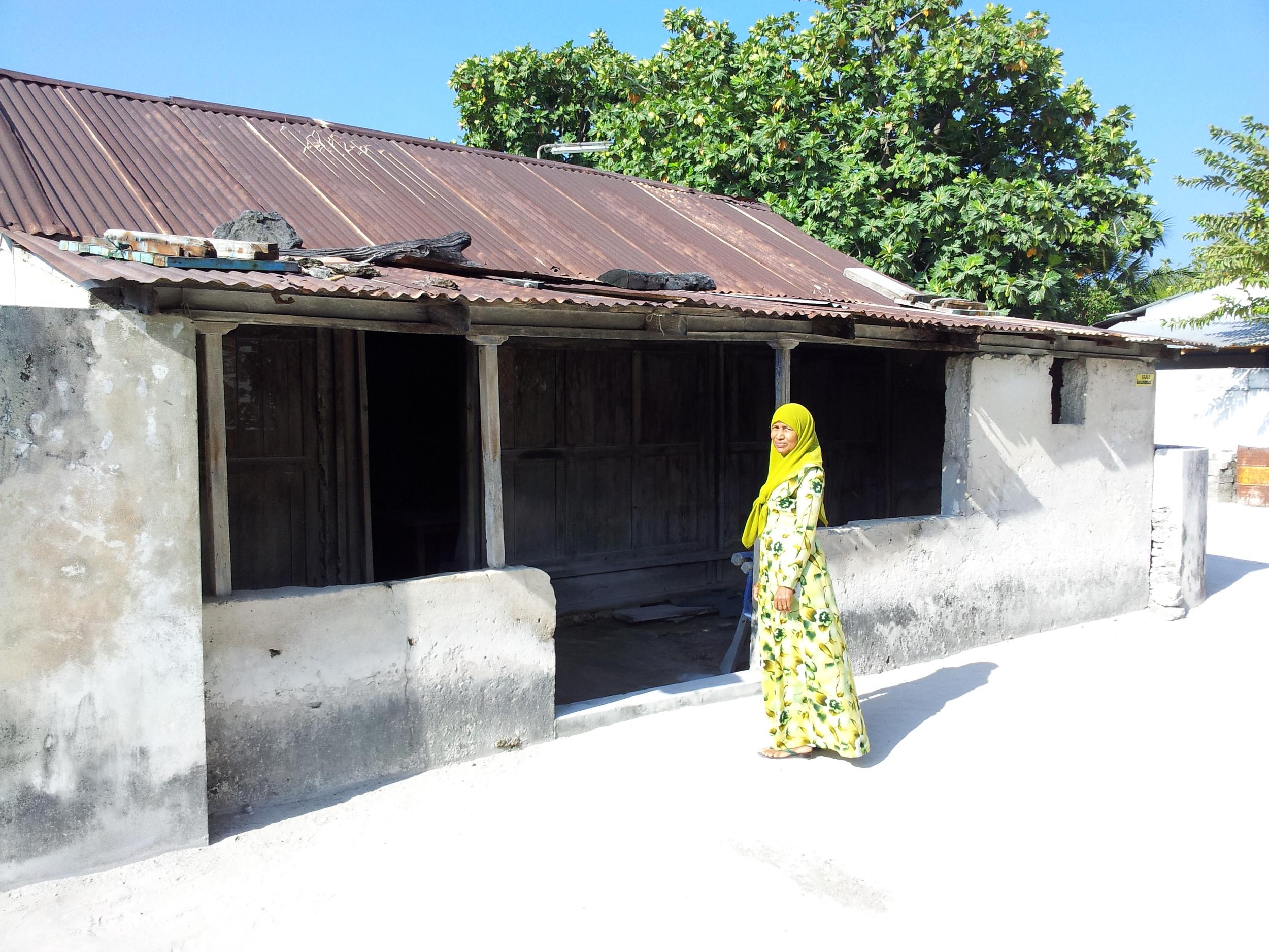 Arifa and old house eydafushi.jpg