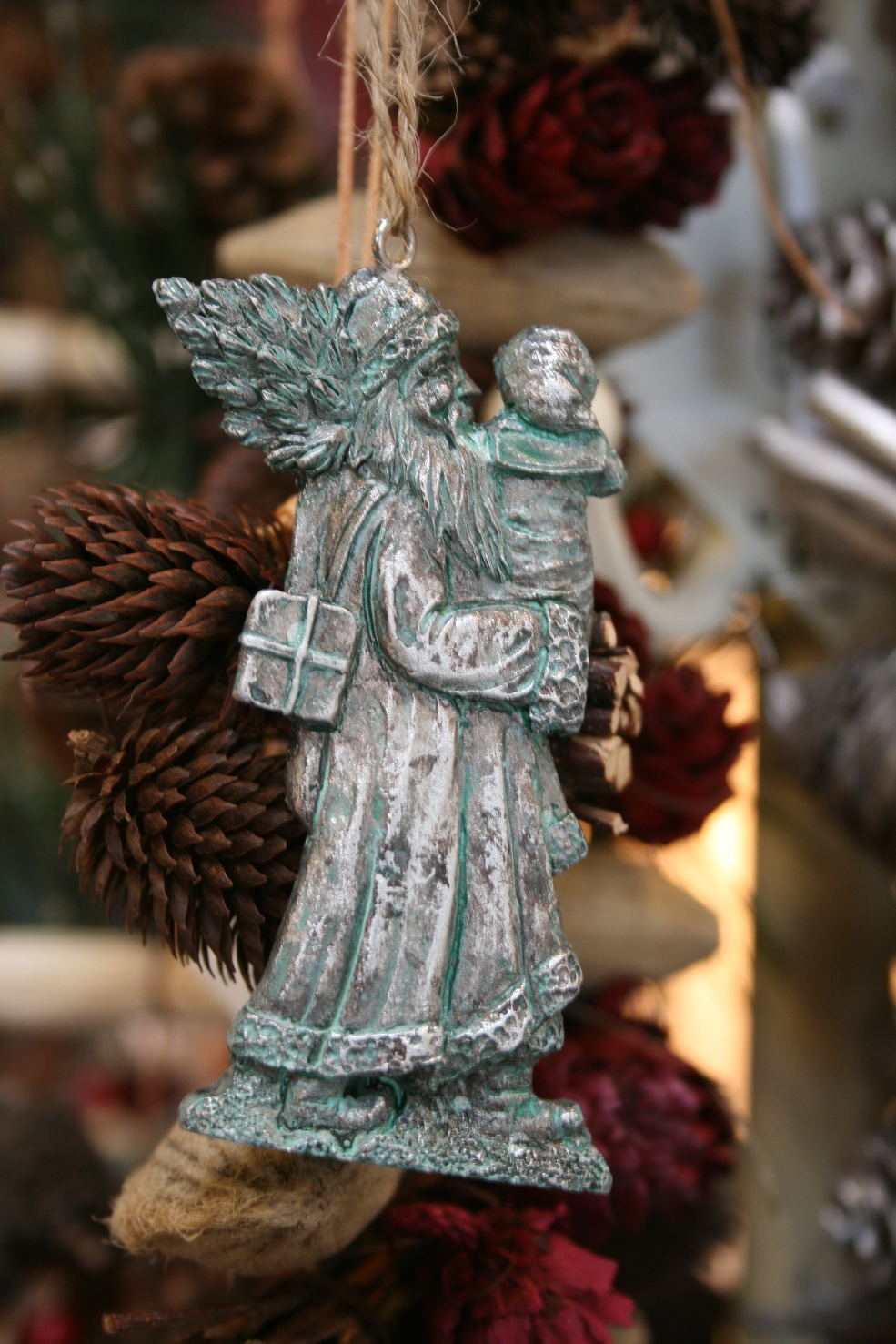 Strawbridge Woodland Santa Decoration € 4.00