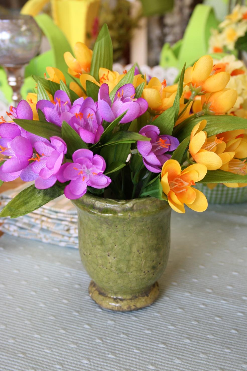 Vase - €6.00  Flowers - € 2.50 per bunch