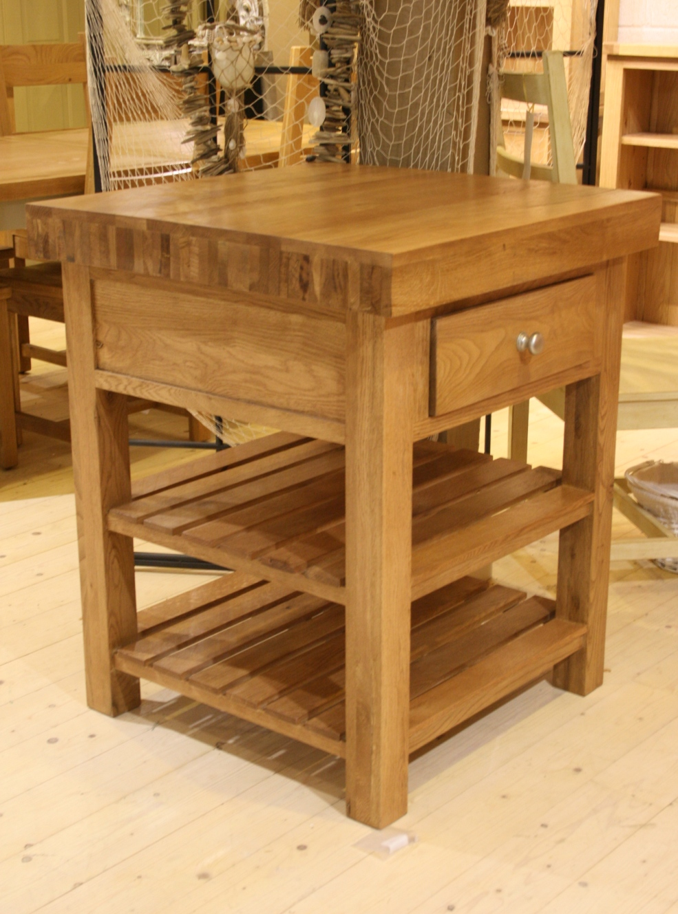 SQUARE ISLAND 1 DRAWER 2 SHELVES (Oak Top)    W76 x D76 x h92cm    €779 ( 40% Off Now €468 )  Product Code: 112095