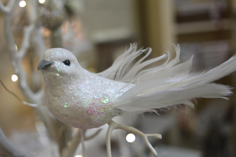 Sparkling White Dove ( Clip on Decoration )  €4.00