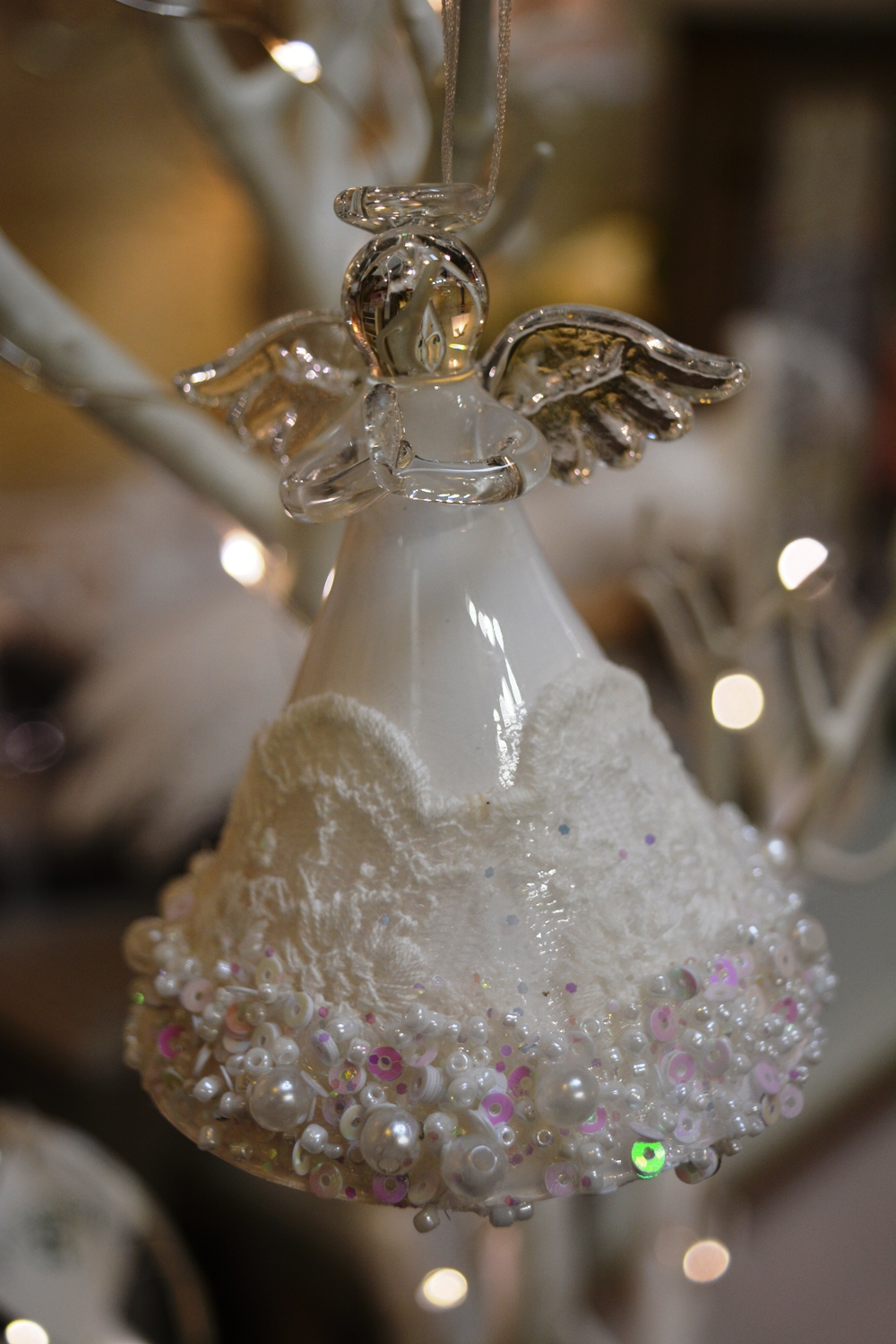 Lace and Pearl Angel  €7.50