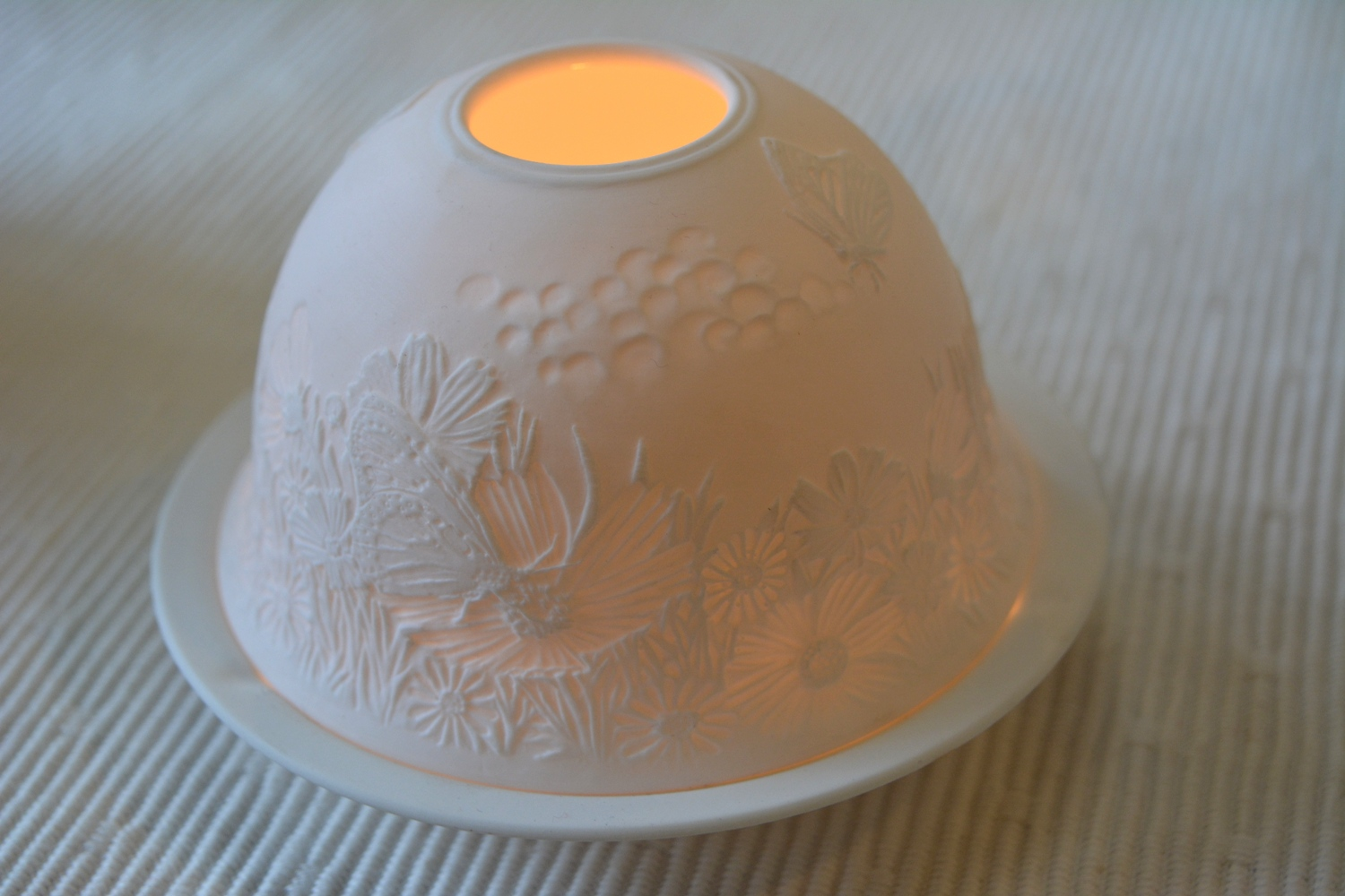 Spring Meadow White Dome Candle Holder  €9.50