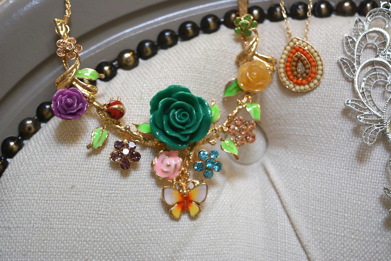 Rose Garden Necklace ~ €16.00