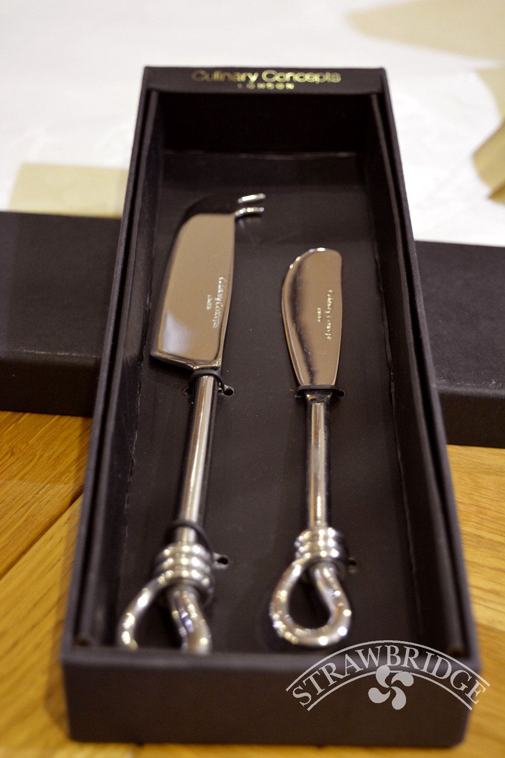 Cheese&Butter Knife Set P/Knot ~ €37.00