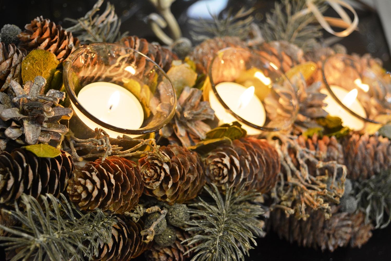 Pine Cone Tea Light Centre Piece - €23.00