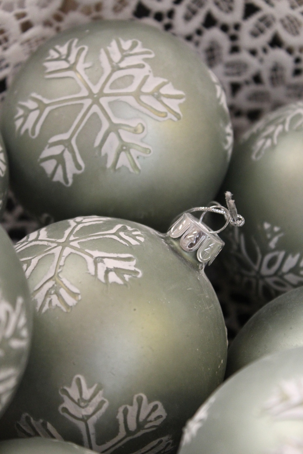Snowflake Bauble - €5.50