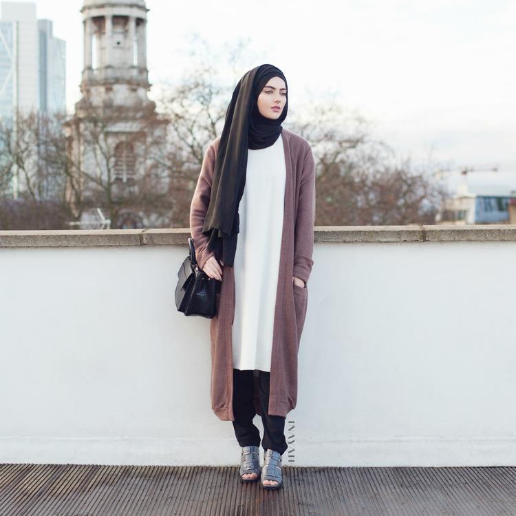 Image:http://inayah.co.uk/modest-islamic-clothing-fashion/2015/1/6/modest-new-arrivals