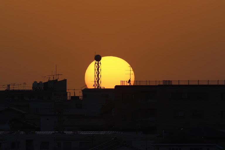 Sunset-over-the-horizon.jpg