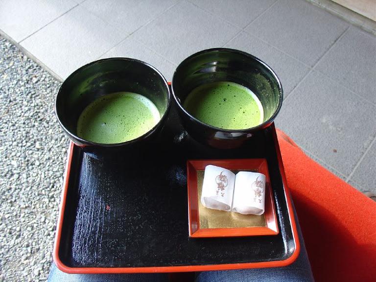 Green-smoothie-shot.jpg
