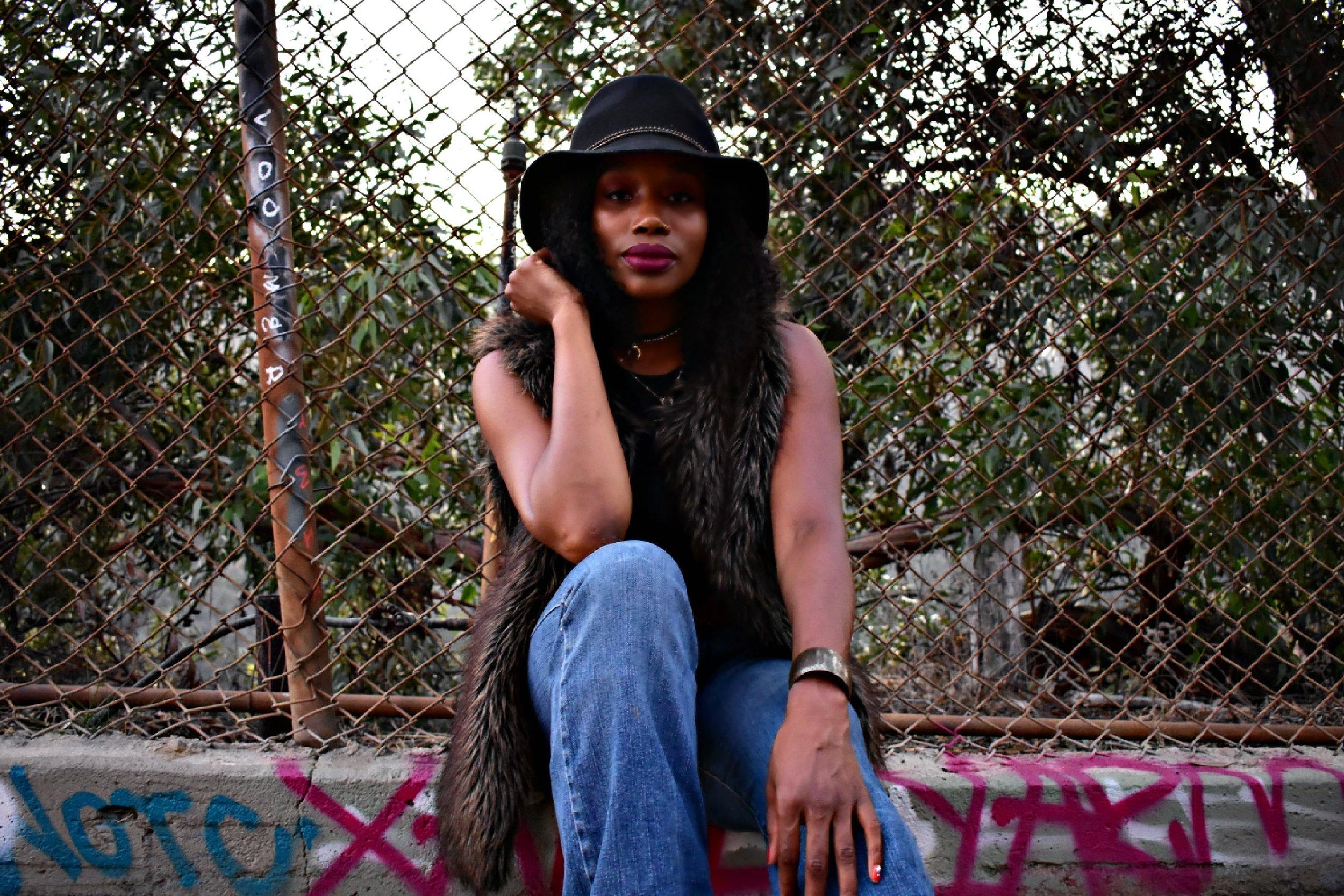 the-kashonna-files-brim-hat-jeans-fashion-style.jpg