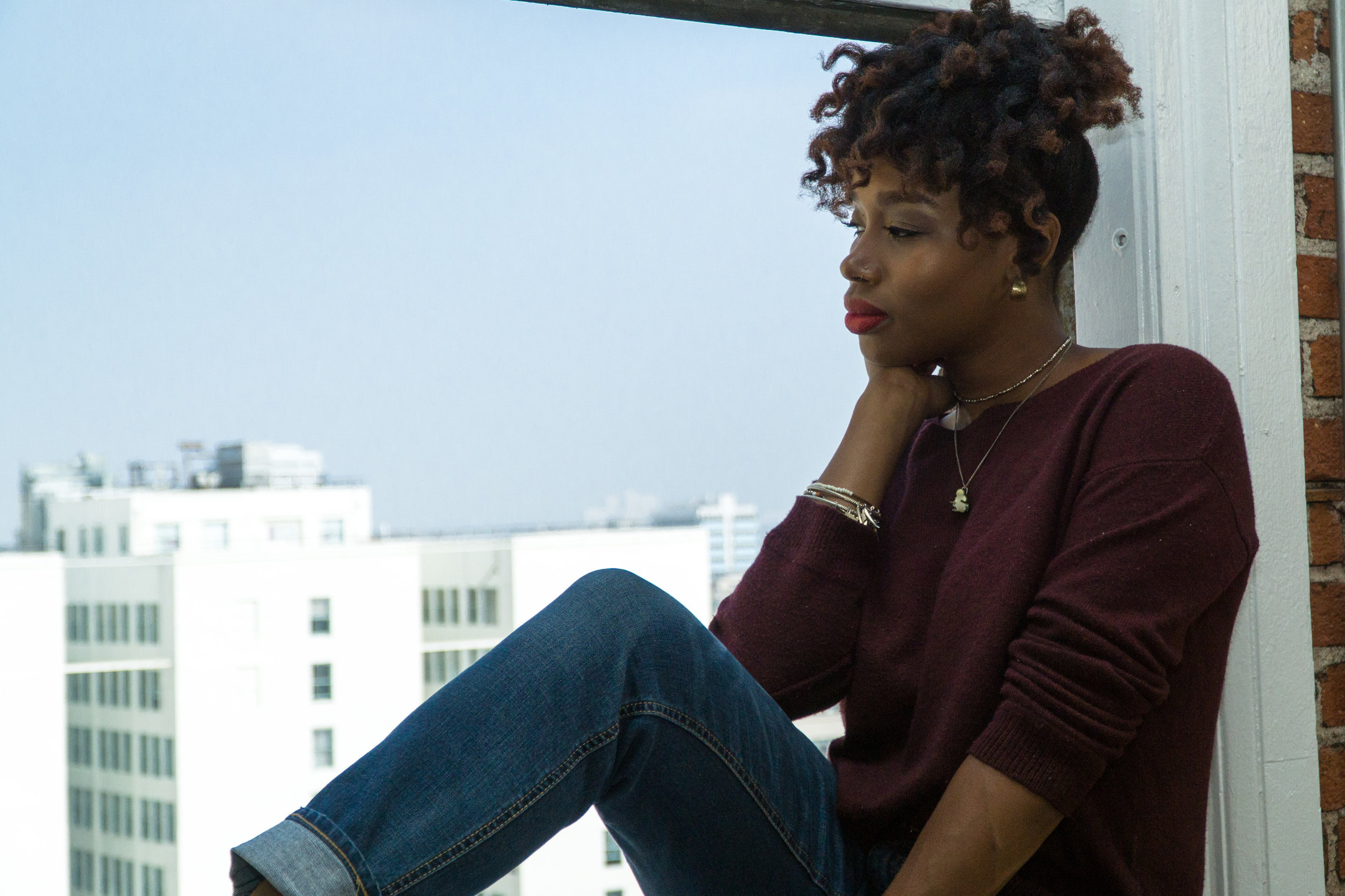 downtown-los-angeles-lifestyle-fashion-sitting-hm-the-kashonna-files.jpg