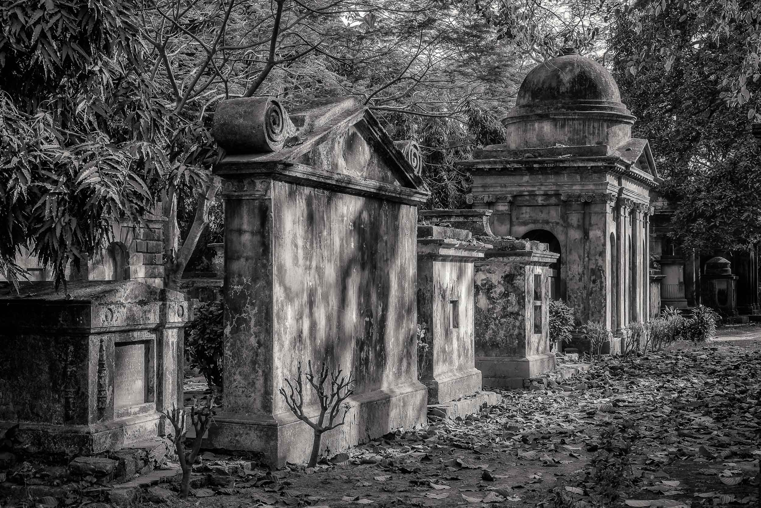Memories of Empire  are evident in many of the tombs wtihin the  South Park Street Cemetery  in  Kolkata, India .