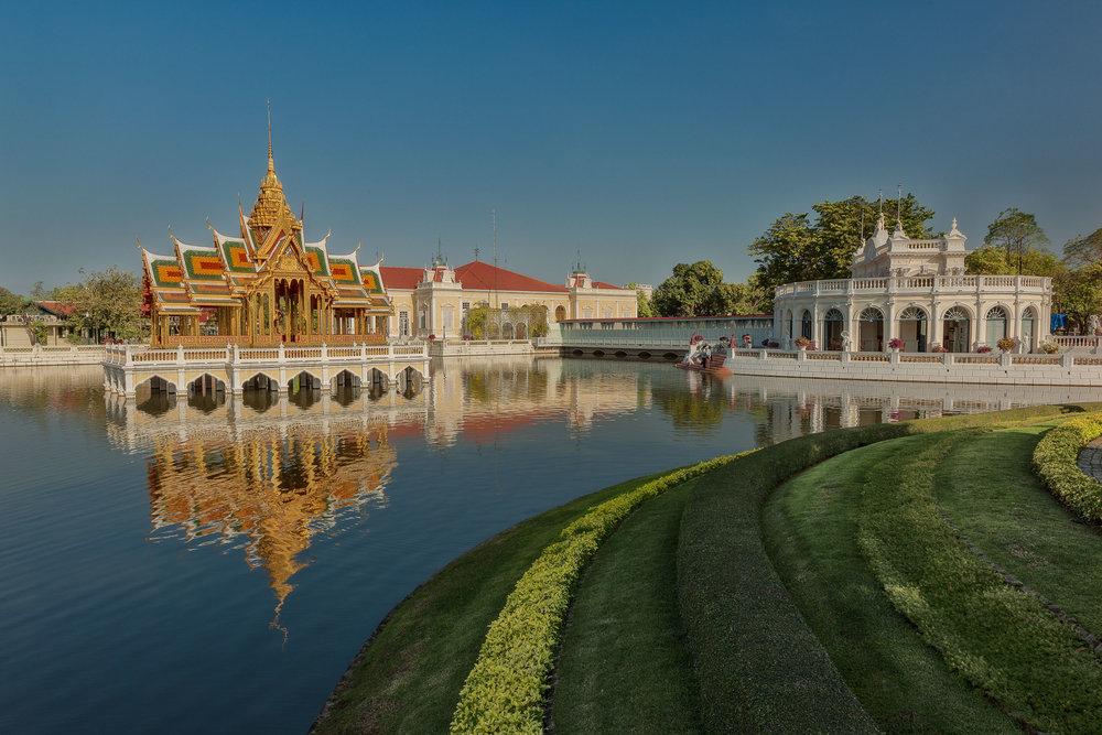 Le magnifique pavillon dans le parc du Palais Bang Pa In près d'Ayutthaya, Thaïlande.
