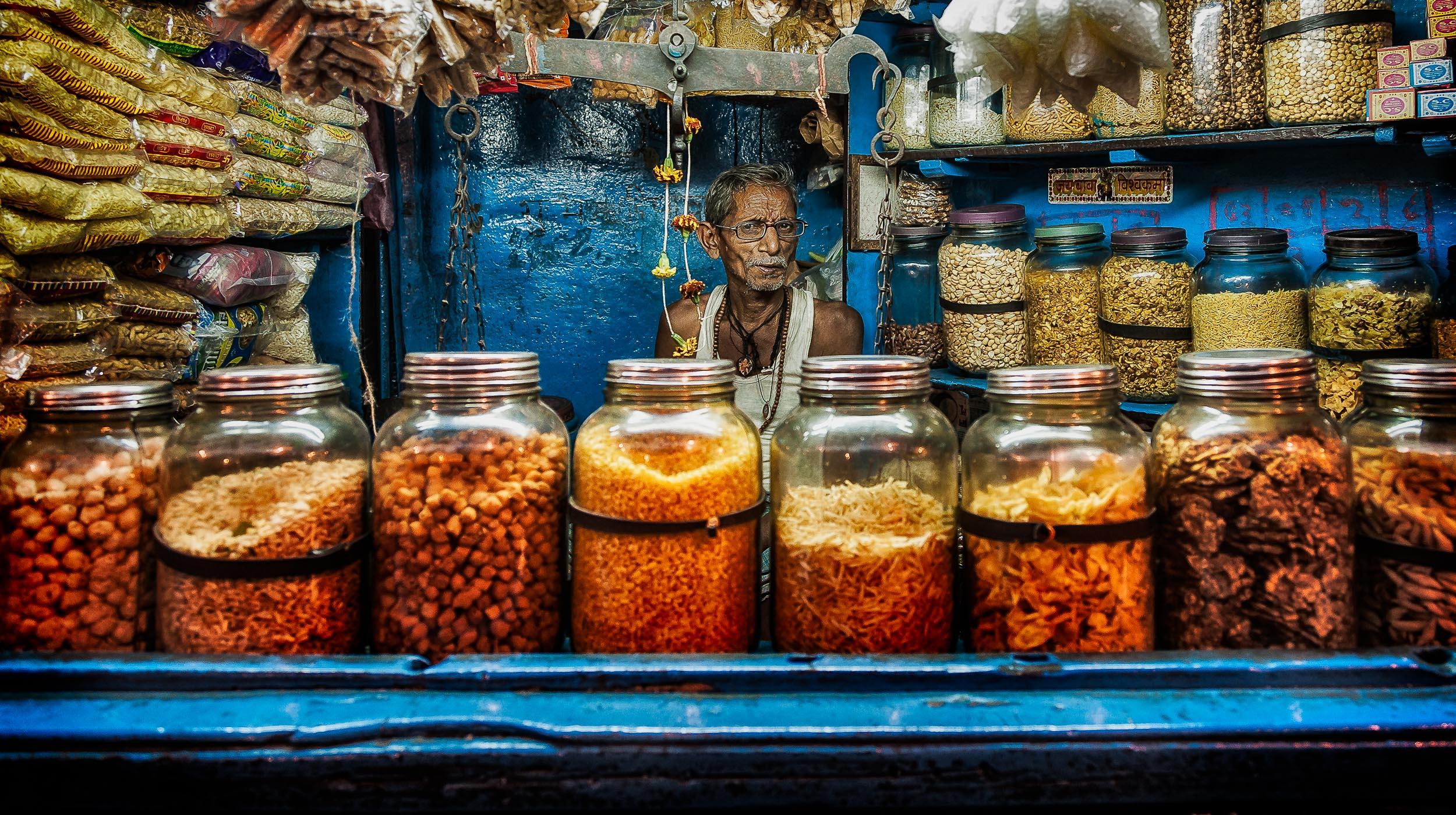 Retailer and His Wares, Kolkata, India