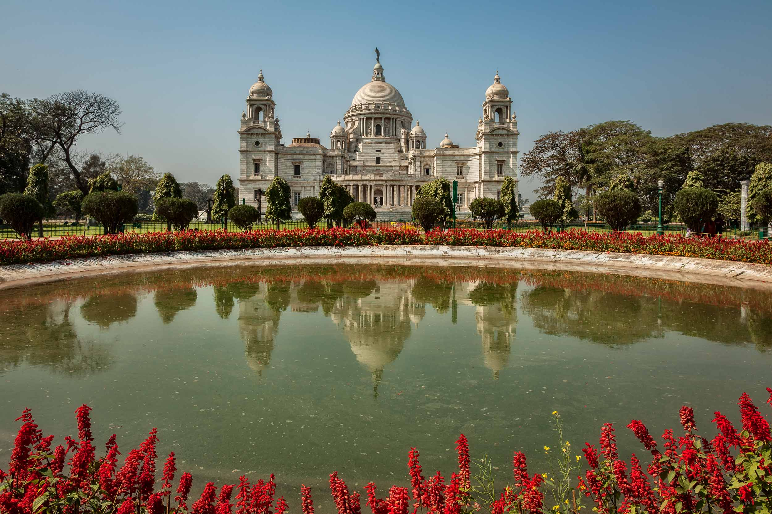 Gardens and pond at the Victoria Memorial in Kolkata, India.