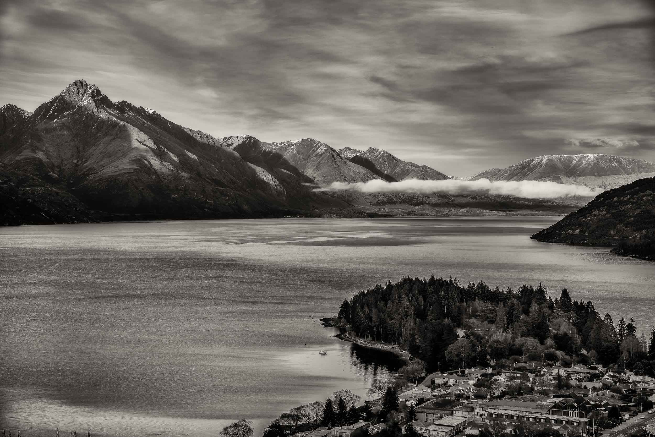 Magnificent view over    Lake Wakatipu    in    Queenstown, New Zealand   .