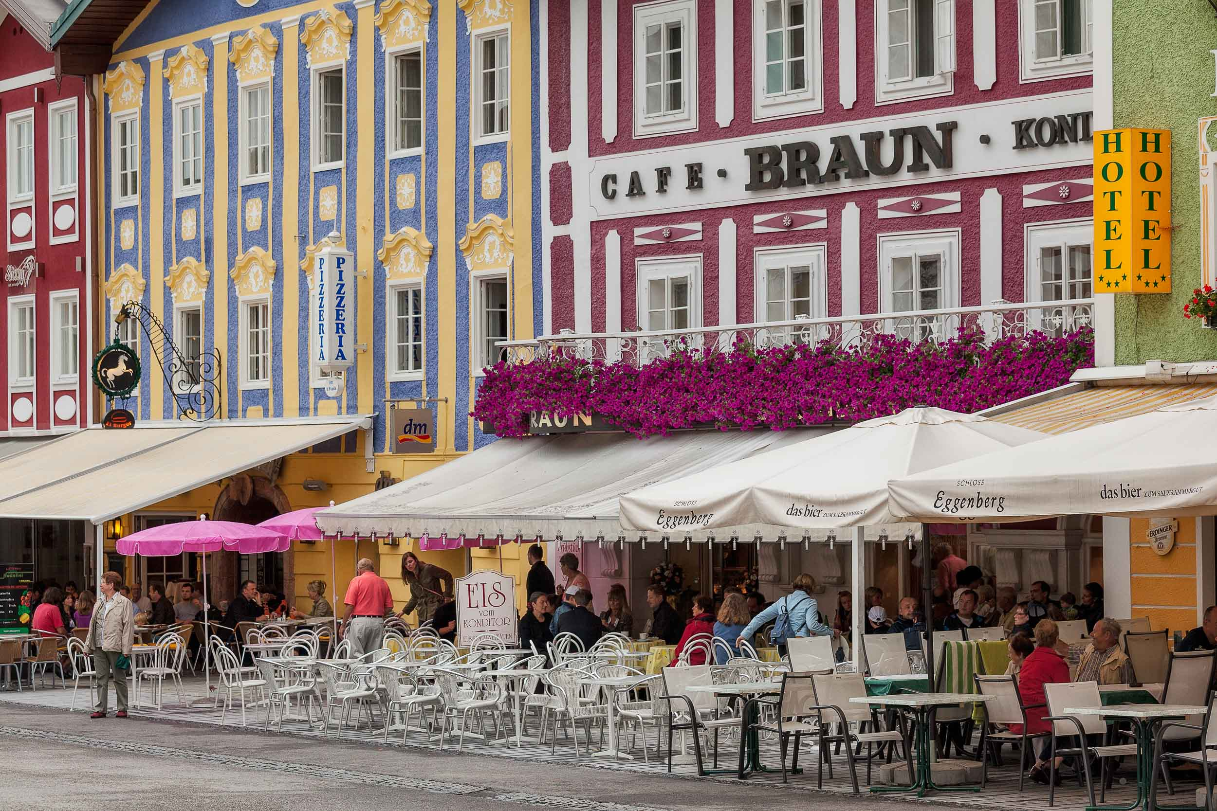 Fantastic colors adorn the    Cafe-Konditorei Braun    and surrounding buildings in the town of    Mondsee, Austria   .