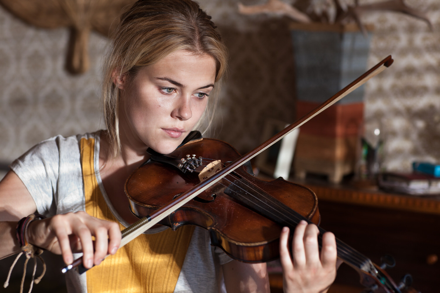 Actor  Rachael Taylor , photoraphed with a violin, on the set of the Australian motion picture film  Summer Coda  in Mildura,  Australia .