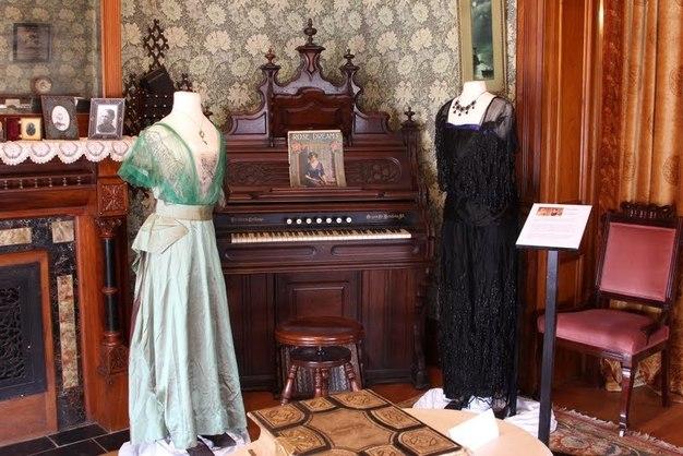 Downton - Mary & Edith