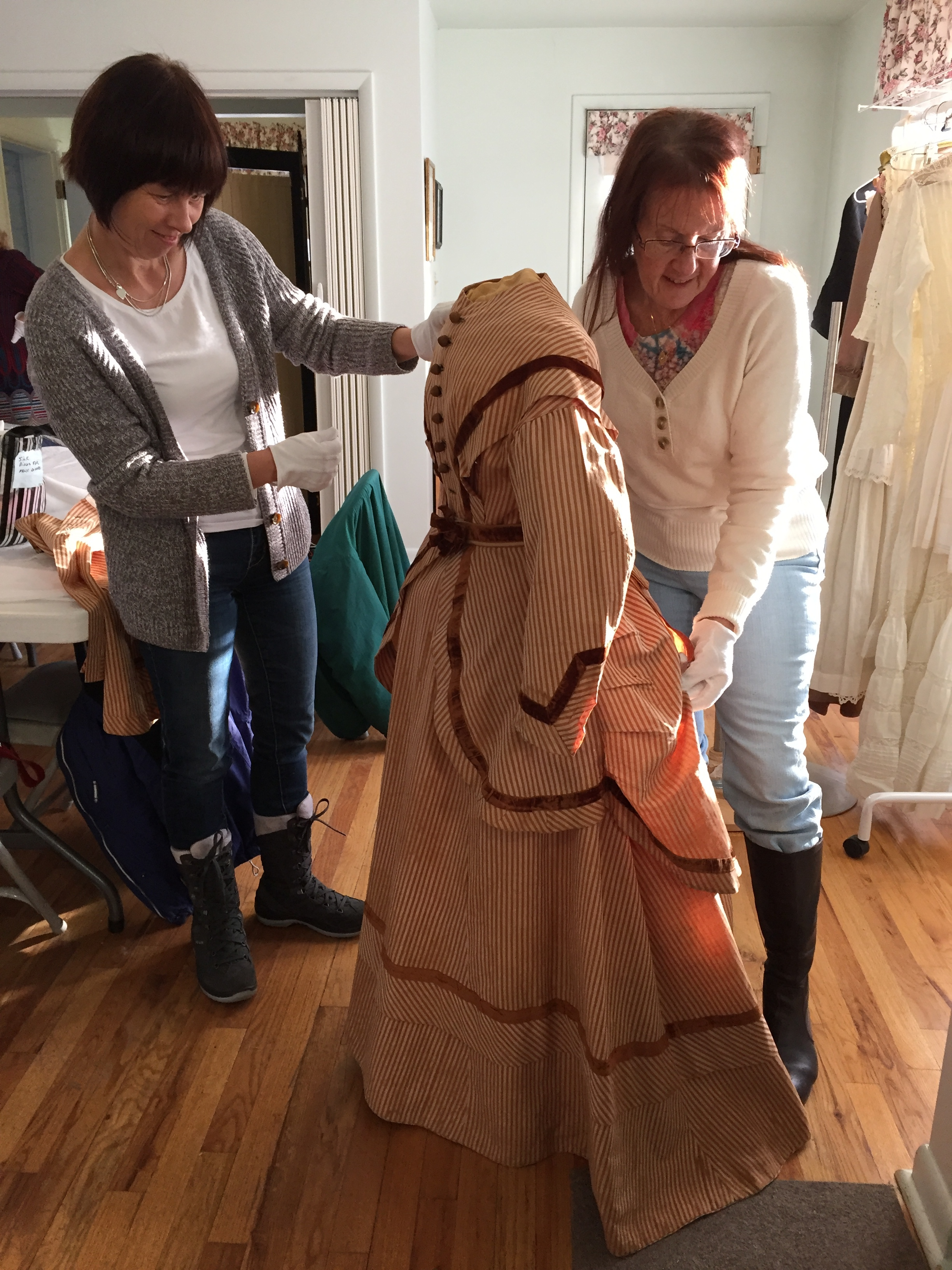 Fashion Exhibit volunteers
