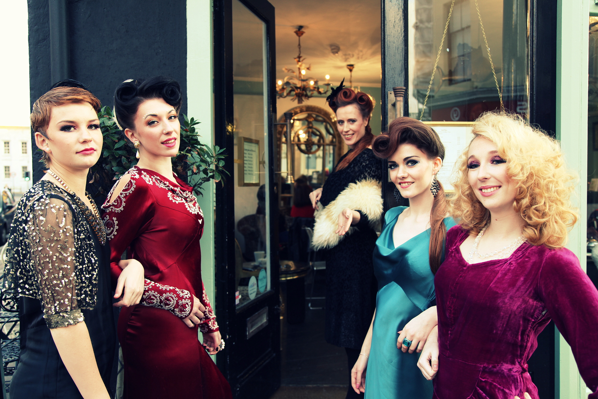 Metrodeco Cafe Brighton - St. James Street - Vintage Photo Shoot