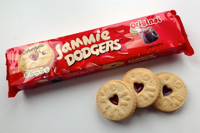 Fig. 3801 Jammie Dodgers! Thanks to Rupert, a very much UNOFFICIAL sponsor of today's episode, and this photo is proof they exist.