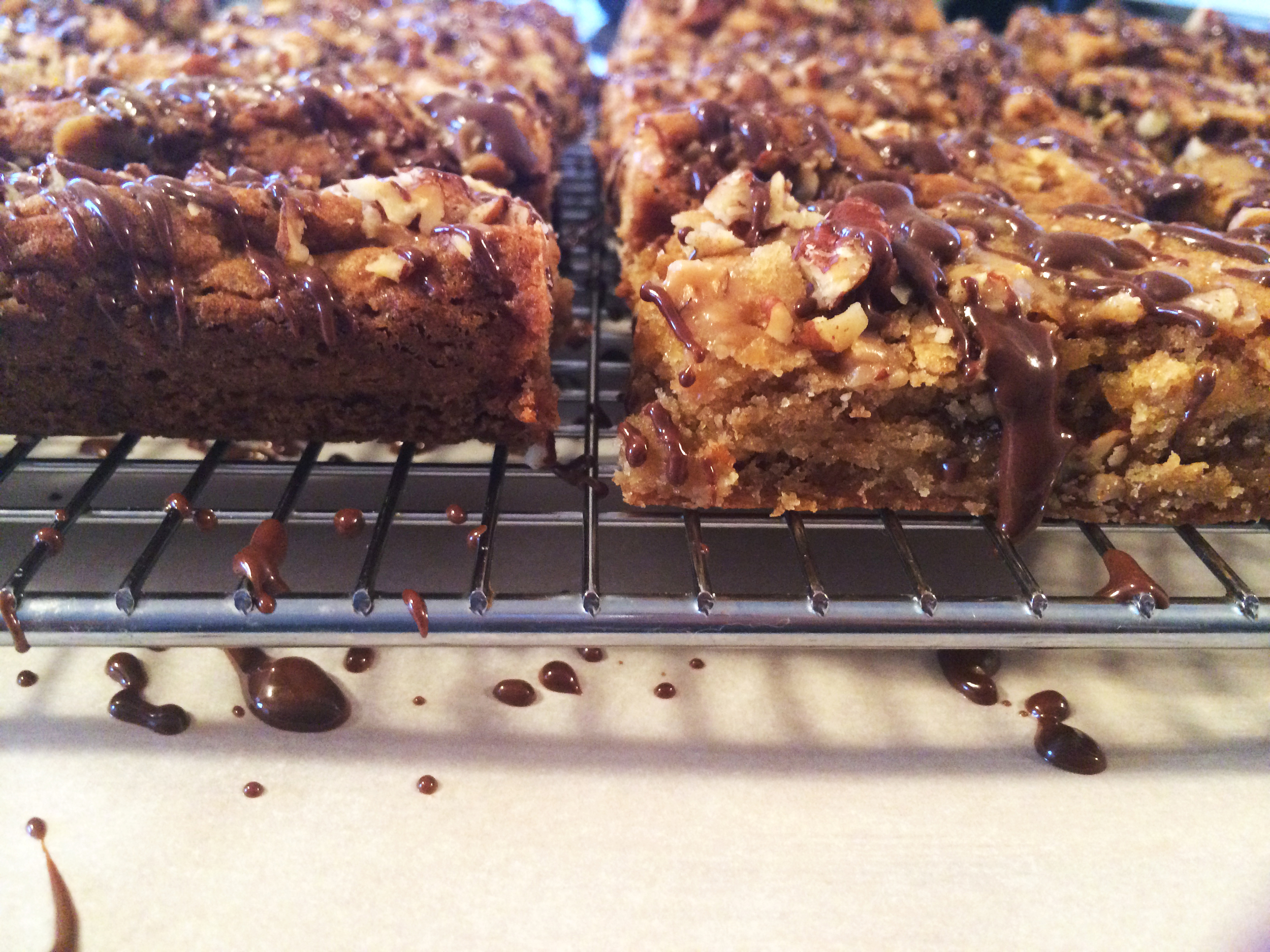 Chocolate-Drizzled Toffee Blondies
