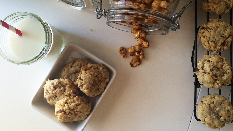 Caramel Corn Cookie Snack