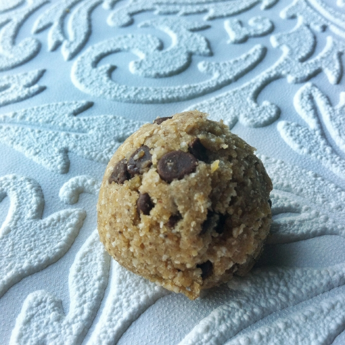 Gluten free, vegan & nut free chocolate chip cookie dough bites