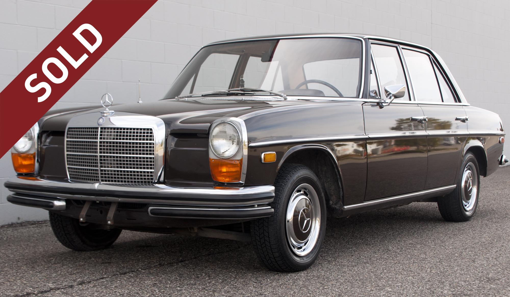 1969 MERCEDES-BENZ 250 SEDAN (W114)