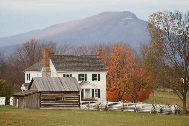 Home in the Shenandoah River Valley, Virginia. By  Rob Shank  on Flickr.