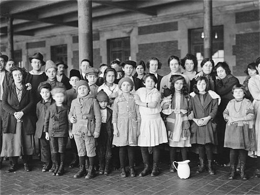 Immigrant children, Ellis Island, New York, 1908.By Brown Brothers.Records of the Public Health Service. (90-G-125-29) / US GOV National Archives
