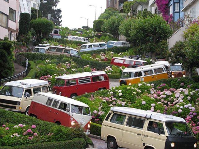 VDub caravan on Lombard St. 📸: Peter Alau 2010  #jacksonandpolk #lombard #lombardstreet #vw #volkswagen #volkswagenbus #sanfrancisco #sf #sflife #calilife #norcal #travel #explore #bayarea