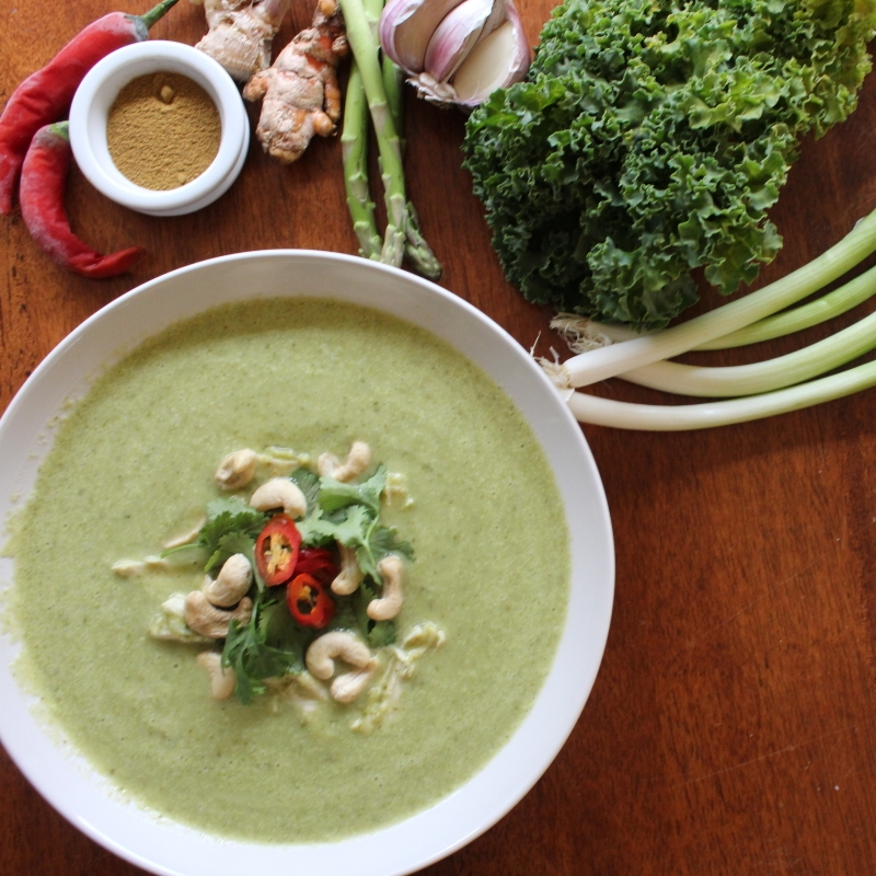 Broccoli & Cashew Green Curry Soup