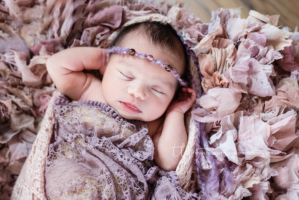 newborn-photograhy-columbia-missouri-pink