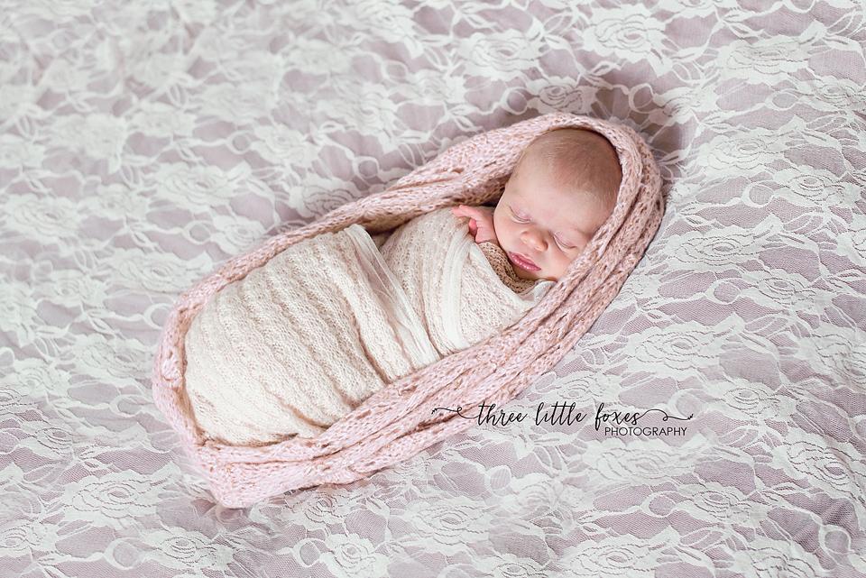 three_little_foxes_photography_columbia_missouri_newborn_photographer