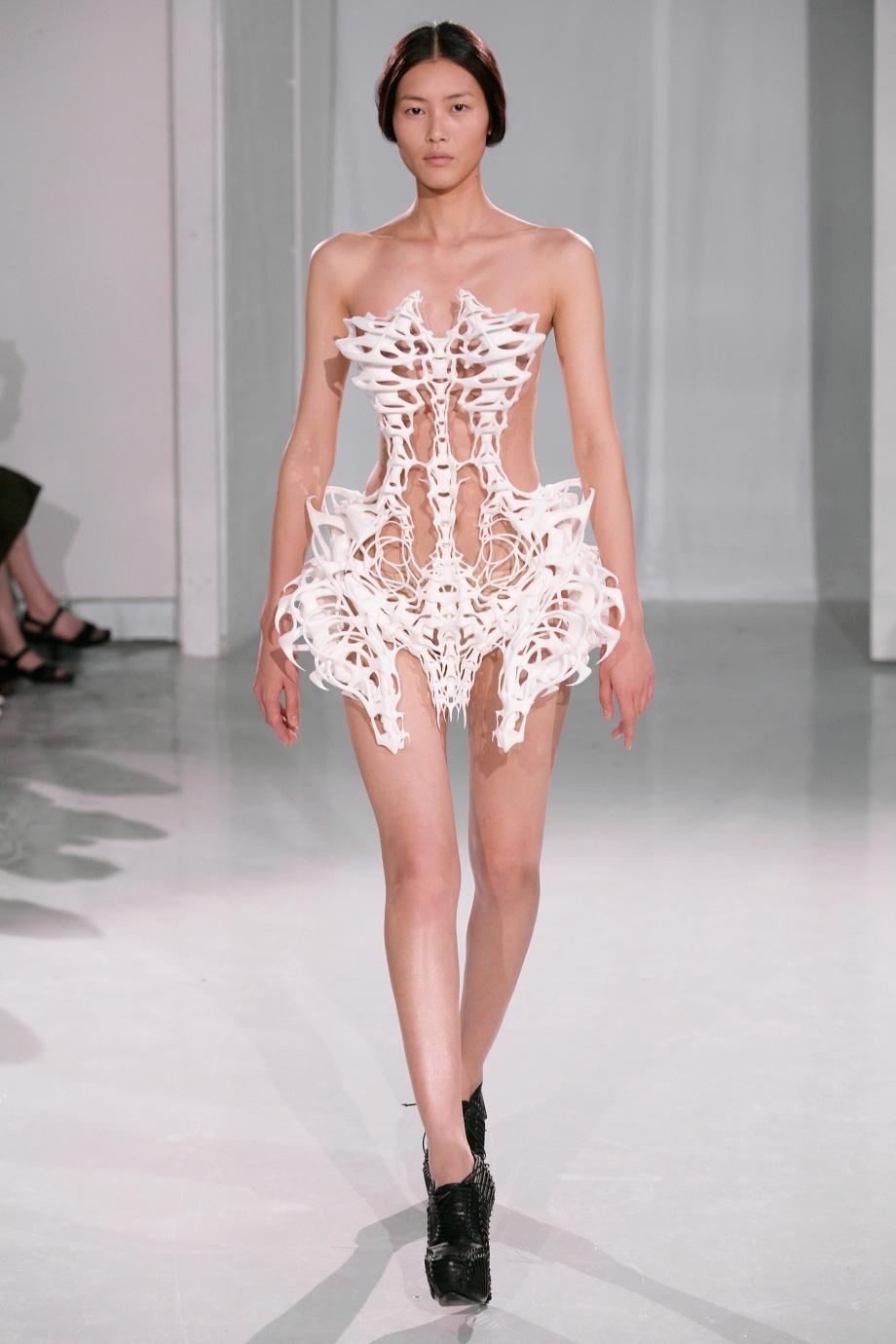 CAPRIOLE – July 2011, Paris Haute Couture Week