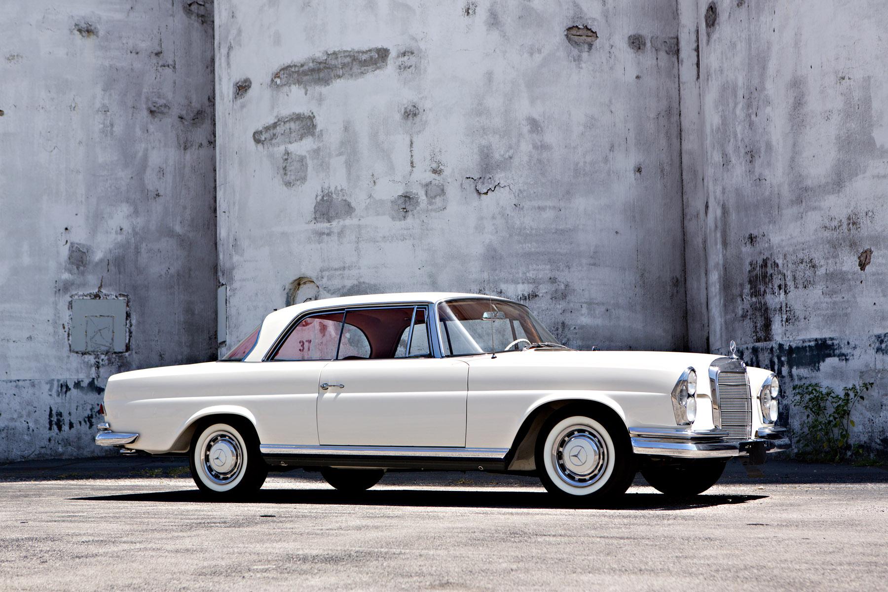 At Gooding & Company, 1961 Mercedes-Benz 220 SEb Coupe (image courtesy Gooding & Company)