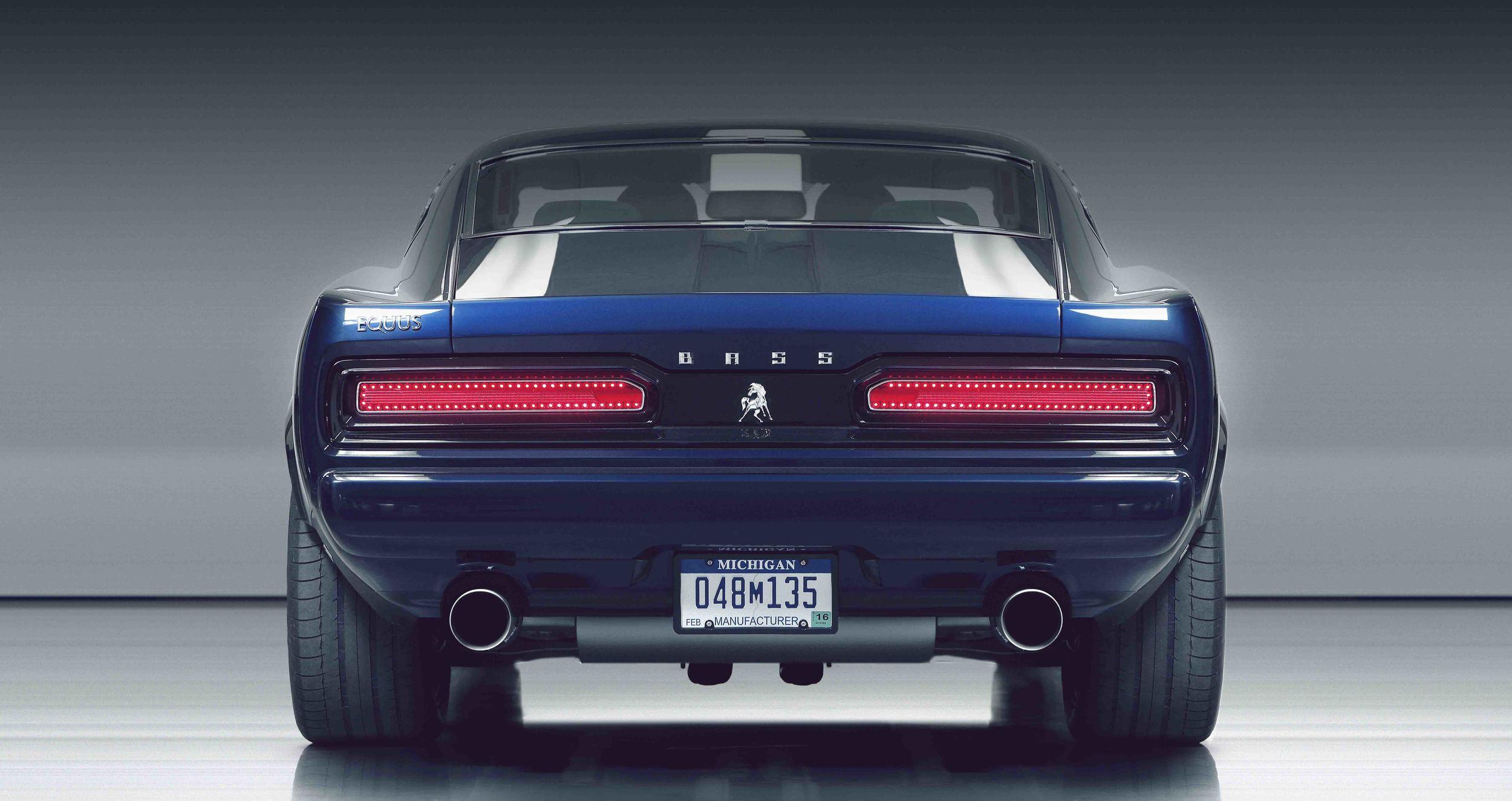 "RED(rear, blue)EQUUS PRESS 8 img alt=""equus bass 770"".jpg"