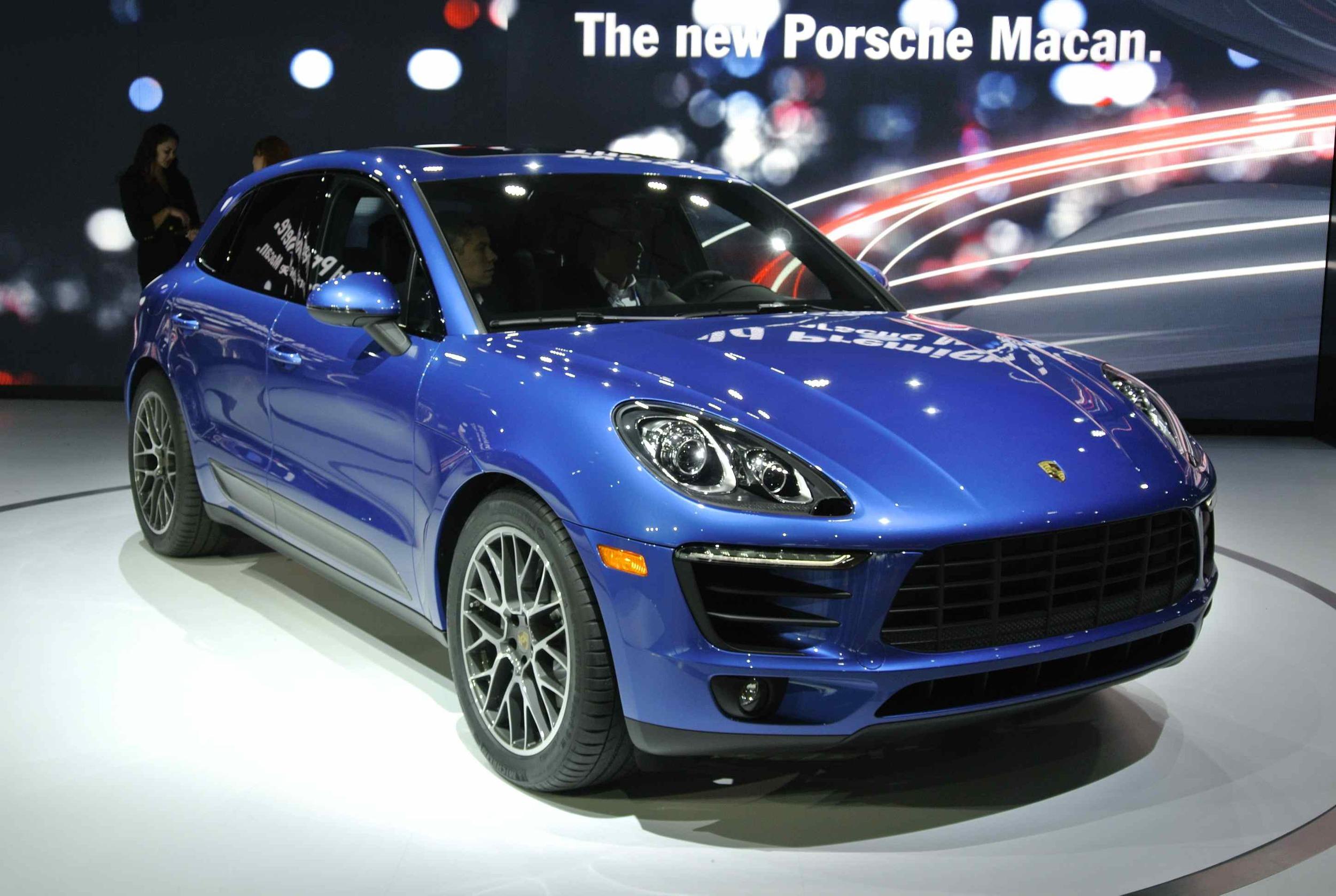 PorscheMacanFront34V21.jpg