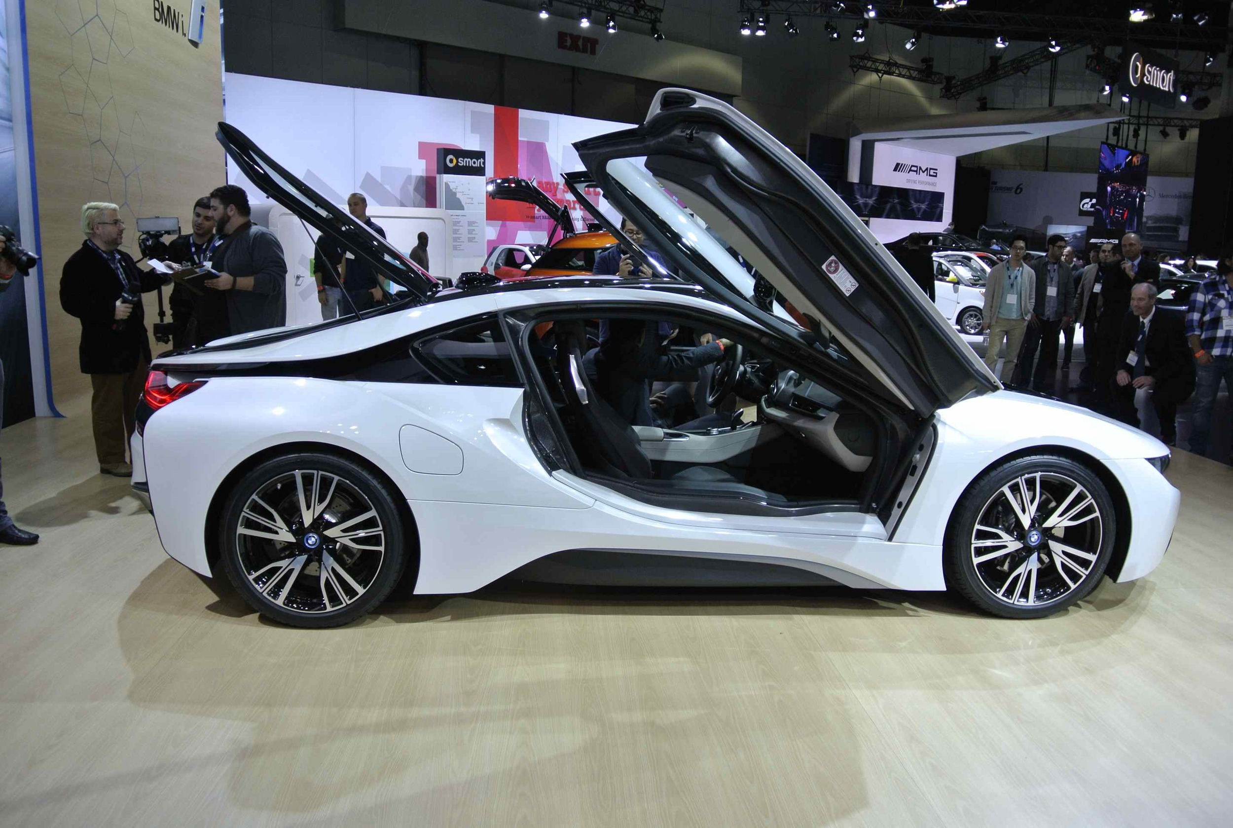 BMWi8ProfileDoorsUP1.jpg